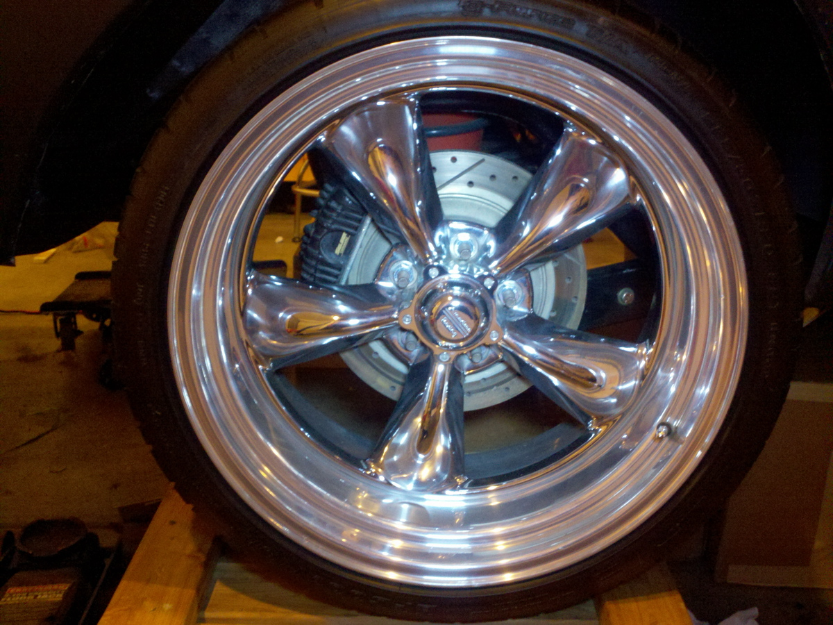 PBR caliper with big rotors looks pretty good on a borrowed 20 inch rim.